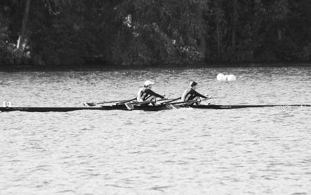 Bennett, Knox Win Gold to Lead Crew at 37th Annual Textile River Regatta
