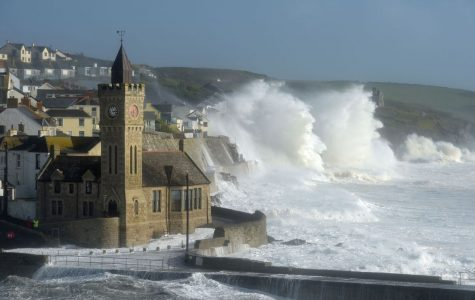Hurricane Ophelia reaches Europe