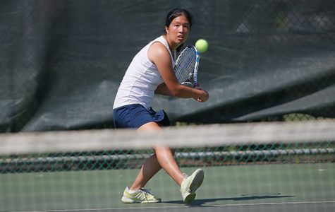 Women's tennis cruises past St. Joseph, 9-0
