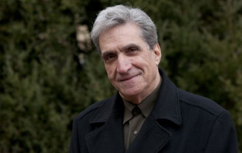 Poet Laureate Robert Pinsky's reading sparks discussion on American identity