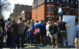 Spectators+cheer+on+athletes+on+Hereford+Street.+Photo%3A+Siobhan+Kenneally