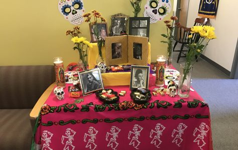 Simmons Department of Modern Languages celebrates Día de los Muertos