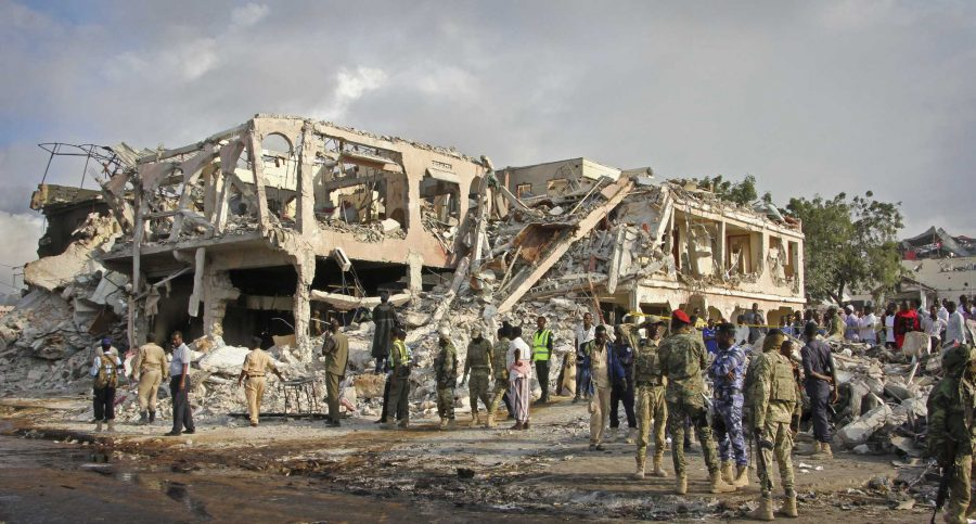 Bomb attacks in Mogadishu, Somalia kill hundreds